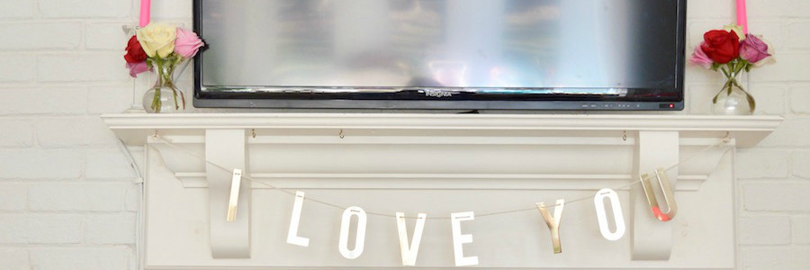 Quick & Easy Valentine's Inspired Mantel
