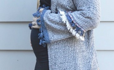 (Stealing) Hope's Tasseled Cardigan + A 20 Week Pregnancy Update